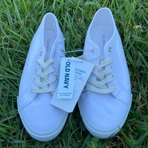 Old Navy white shoes